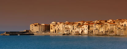 cefalu全景西西里岛 免版税库存图片