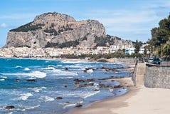 cefalu,西西里岛海滩  库存图片