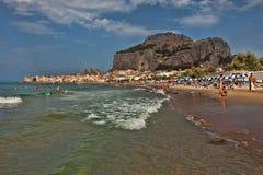 cefalu Сицилия пляжа Стоковое Фото