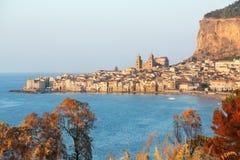 Cefalu, старый городок гавани на острове Сицилии Стоковая Фотография
