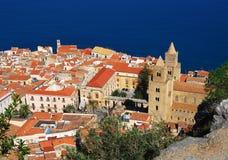 Cefalu, borne limite traditionnelle en Sicile Images libres de droits