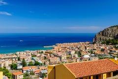Cefalu - eine schöne alte sizilianische Stadt Lizenzfreies Stockfoto