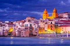 Cefalu, mar Ligurian, It?lia, Sic?lia foto de stock royalty free