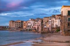 Cefalu, middeleeuws dorp van het eiland van Sicilië, Provincie van Palermo royalty-vrije stock afbeeldingen