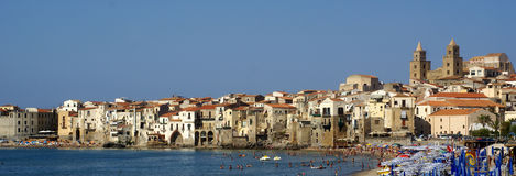Cefalu panorama beach  - sicily Royalty Free Stock Photos