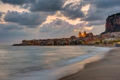 Cefalu in Sicily before sunrise Stock Photography