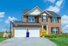 ceglana dom rodzinny domu sprzedaż pojedynczy podmiejscy usa Fotografia Stock