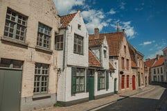 Ceglana fasada domy w typowym stylu Flanders's region w ulicie Bruges Fotografia Royalty Free