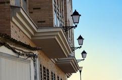 Ceglana fasada i lampposts Fotografia Royalty Free