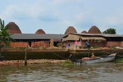 Ceglane pracy Wietnam, Mekong delta - Zdjęcie Royalty Free