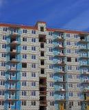 ceglanej budowy dom pod biel Zdjęcia Royalty Free