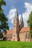 Ceglany Gocki monaster Świętej trójcy kościół - punkt zwrotny Neu obraz stock