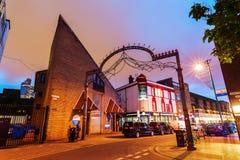 Ceglany pas ruchu w Londyn przy nocą Obrazy Royalty Free