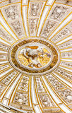 Ceiiing圆顶父亲儿子圣灵梅斯基塔科多巴西班牙 库存图片