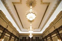 ceiling chandeliers ornate στοκ φωτογραφία