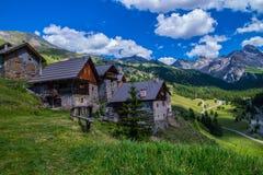 Ceillac Villard в qeyras в alpes hautes в Франции стоковое изображение rf