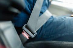 Ceinture de sécurité attachée du véhicule Photographie stock libre de droits