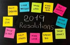 2019 celów, nowego roku postanowień kredowy handwriting lub swój notatek notatki na blackboard fotografia stock