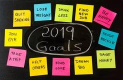 2019 celów, nowego roku postanowień kredowy handwriting lub swój notatek notatki na blackboard obraz stock