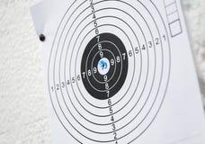 Cel praktyki papieru zakończenia czerni ammo biała błękitna dziura Zdjęcia Royalty Free