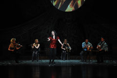 Celebração de Emerald Island---A dança de torneira nacional irlandesa da dança Fotos de Stock Royalty Free