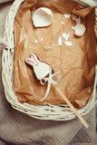 Celebração para o cartão de easter, coelho do brinquedo dos doces com Foto de Stock Royalty Free