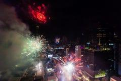 Celebración BANGKOK, TAILANDIA de los Años Nuevos del fuego artificial - 31 de diciembre, Imagen de archivo