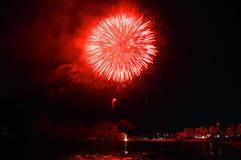 Celebración colorida de los fuegos artificiales Fotos de archivo