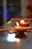 Celebración de Diwali con las lámparas e iluminación Foto de archivo libre de regalías