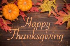 Celebración de la acción de gracias - hojas y calabazas de otoño Foto de archivo libre de regalías