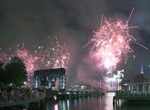 Celebración de los fuegos artificiales de Macy en New York City Fotos de archivo libres de regalías