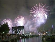 Celebración de los fuegos artificiales de Macy en New York City Imagenes de archivo