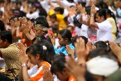 Celebración de Melasti en Indonesia Foto de archivo