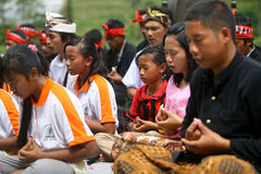 Celebración de Melasti en Indonesia Imagen de archivo