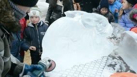 Celebración de Shrovetide (Maslenitsa) en Kiev, Ucrania, almacen de metraje de vídeo