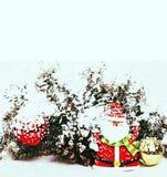 Celebración del Año Nuevo, materia del día de fiesta de la Navidad, árbol, juguetes, decoración Imagen de archivo libre de regalías