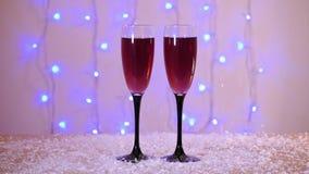 Celebración del Año Nuevo y de la Navidad con el vino rojo Primer almacen de video