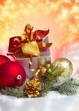 Celebración del Año Nuevo y de la Navidad. Dos vidrios de Champán en HOL Imágenes de archivo libres de regalías