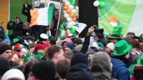 Celebración del día de St Patrick del irlandés en Moscú, Rusia metrajes