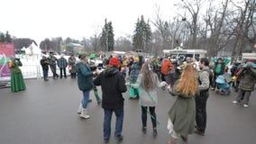 Celebración del día de St Patrick en el parque Sokolniki de Moscú metrajes