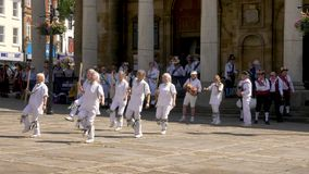 Celebración del desfile del día de las fuerzas armadas en la calle de Abingron, Northampton el 29 de junio de 2019 fotos de archivo