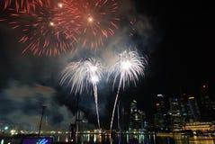 Celebración del festival de los fuegos artificiales de Singapur Fotos de archivo libres de regalías