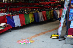 Celebración del festival de Tihar Deepawali en el mercado thamal Foto de archivo libre de regalías