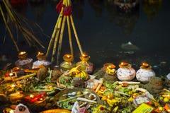 Celebración del puja de Chhat imagen de archivo