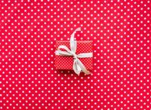 Celebración, ideas de los conceptos de los fondos del partido con el presente de la caja de regalo Fotografía de archivo