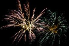 Celebración nocturna con los fuegos artificiales Imágenes de archivo libres de regalías