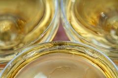 celebración Pirámide de los vidrios del champán Foto de archivo libre de regalías