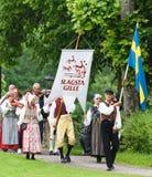 Celebraciones del pleno verano con Slagsta Gille en Hagelbyparken, botkyrka Slagsta Gille consiste en los músicos y los bailarine Fotografía de archivo libre de regalías