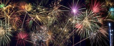 Celebraciones - exhibición de los fuegos artificiales Foto de archivo