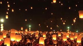 Celebration with more than a thousand floating lanterns. stock video